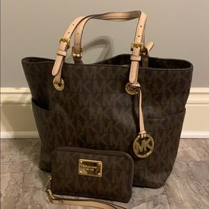 Michael Kors tote and matching wallet